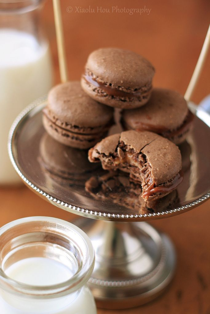 Snickers Macarons! (cocoa powder, peanuts, caramel, milk chocolate ...