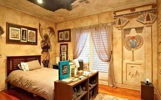 Интерьер спальни в стиле фараонов