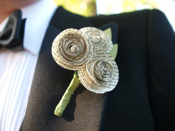 Create a boutonnière from paper flowers -  2 Paper Flowers by cath.doll, via Flickr #paperboutonniere #wedding #paperflowers