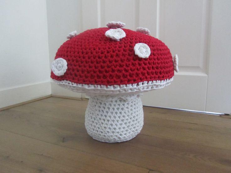 Kinderpoef/krukje in de vorm van een paddenstoel