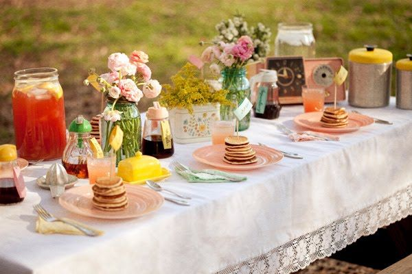 What a sweet table!: Table Settings, Wedding Ideas, Parties, Pancakes, Brunch, Pancake Breakfast, Party Ideas, Baby Shower