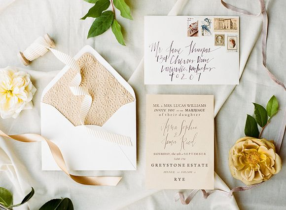 Sometimes all it takes is one special find to be inspired for a shoot, as was the case in this gorgeousness from WHITNEY NEAL and floral stylist JACLYN JOURNEY. Inspired by a set of vintage bone candlestick holders she found on a shopping trip, Jaclyn cre