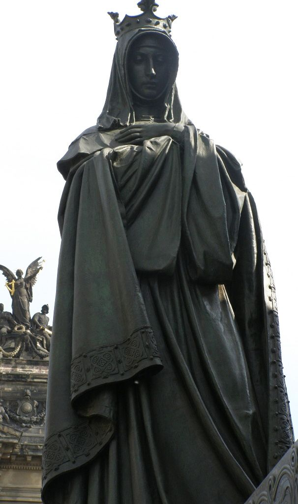 Josef Václav Myslbek - St.Agnes of Bohemia (sv.Aneřka česká) as a part of St.Wenceslas (Václav) equestrian statue - a sculptural group of Czech saint patrons at Wenceslas Square, Prague, Czechia (installed 1912-1924) #sculpture #Czechia #CzechArt #art #memorial
