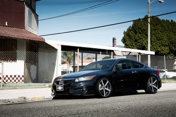 """20"""" Staggered Blaque Diamond BD78 with Honda Accord www"""