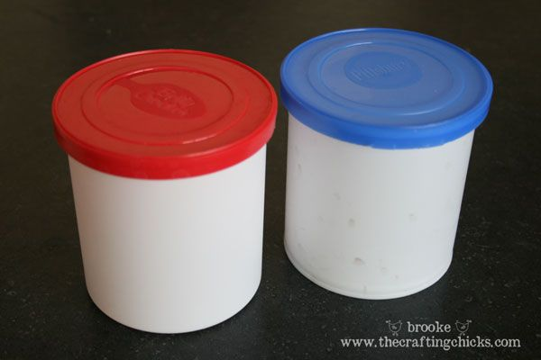SO SMART! Frosting Containers can store rolled-up border for classroom bulletin boards....tape a piece on the outside for easy identification