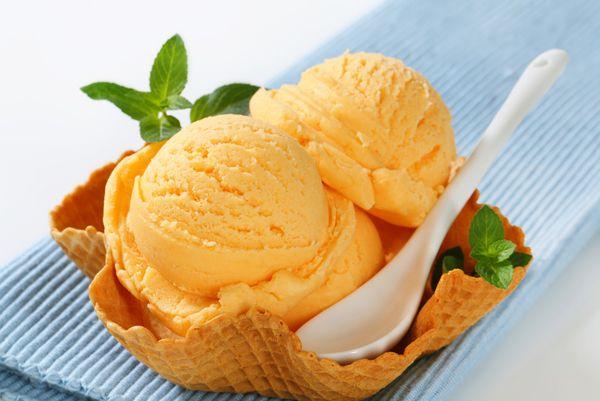 Παγωτό πορτοκάλι. Γευστικό και δροσερό!