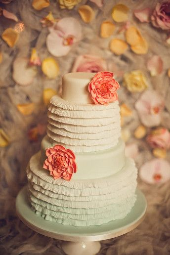 Pastel #wedding cake ideas: http://www.weddingandweddingflowers.co.uk/article/321/lookbook-pastel-wedding-cakes