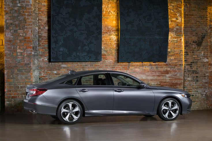 Motor Trend reviews the 2018 Honda Accord where consumers can find detailed information on specs, fuel economy, transmission and safety. Find local 2018 Honda Accord prices online.