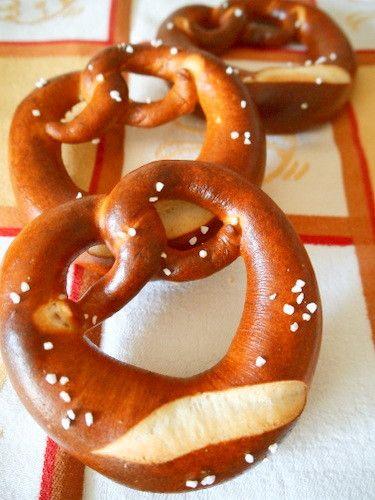 ドイツ人の夫が、日本で気軽にこれが食べられるなんて♪と喜んだ本格ドイツパン。重曹を使って作ります。
