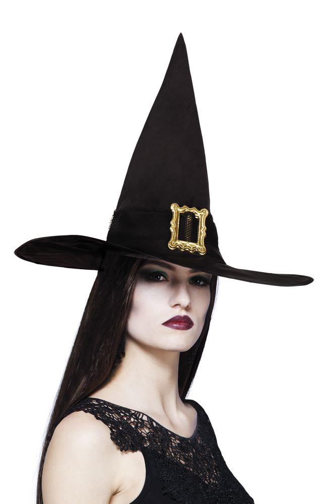 Noidan hattu isolla soljella.