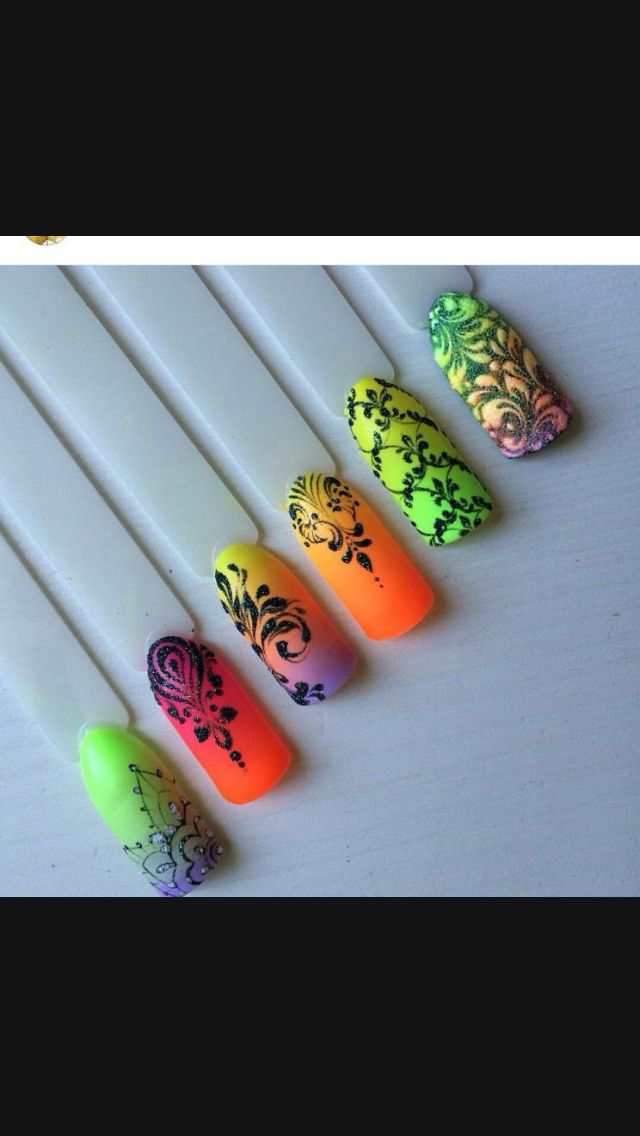 Neon nails with powdery designs. Love!