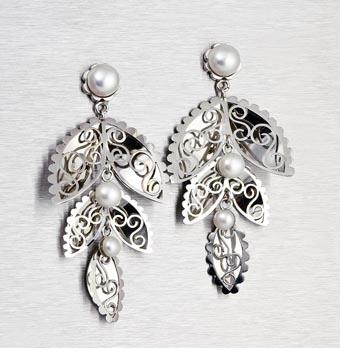 Plat Africa award winning Platinum and Pearl earrings