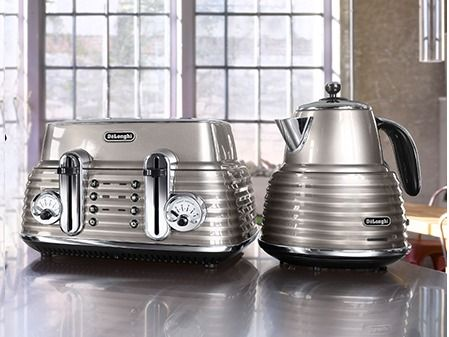Introducting the Scultura range from DeLonghi - the appliances that will make Mum's kitchen look effortlessly stylish!