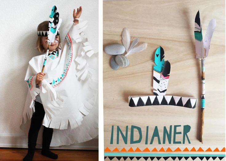 DIY // Indianer Kostüm selbermachen ohne Nähen - mit Strinband und Federstock - mit free printable - mehr auf FAMILICIOUS.de