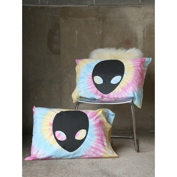 Alien Pillow Case Set ❤ liked on Polyvore featuring home, bed & bath, bedding, bed sheets, tye dye bedding, tie-dye bedding and tie dye pillow cases