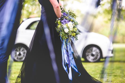 Haikje's home. A blog about decorating, design & lifestyle  #wedding #balloon #blue #bruiloft #blackweddingdress #weddingdecorations #weddingphotos #weddingshoot #ribbons #satin #weddingflowers #bridalbouquet #fiat500