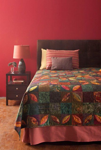 Add instant style to your bedroom with beautiful bed quilts! From twin bed quilts to king size, these quilt patterns feature a variety of techniques perfect for any decor.
