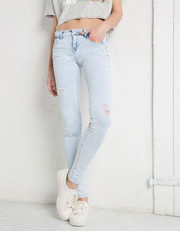 Bershka Netherlands - Skinny jeans. Lage taille met geborduurd zakje, BSK.