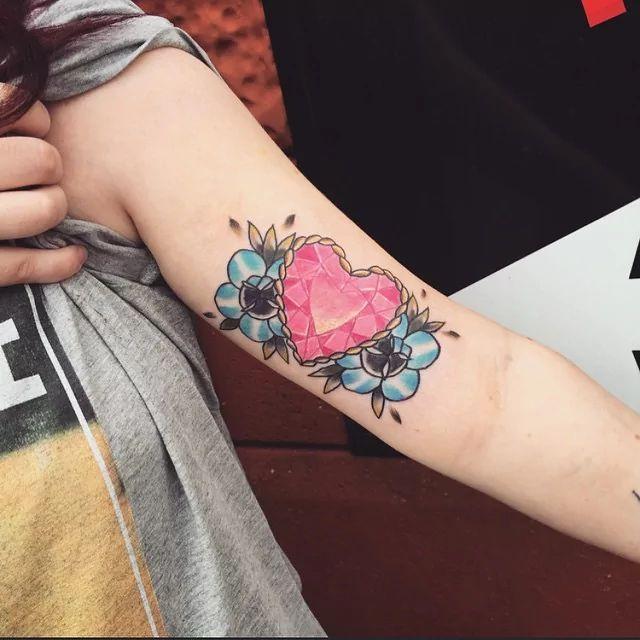 tattooed crystal rose escort