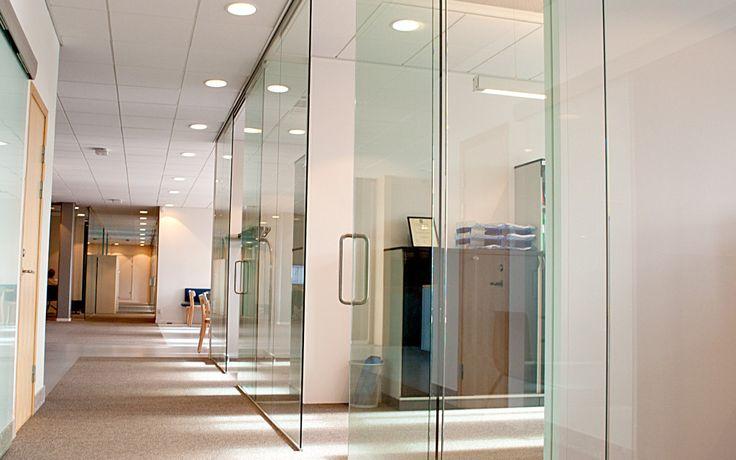 FLEX SLIDEDOOR -G och FLEX GLASSLINE En dörrlösning som uppfyller ljus- och designkrav.