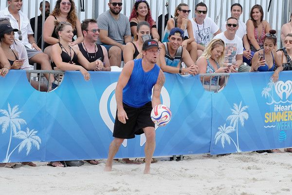 Brian Littrell Photos Photos - Brian Littrell plays volleyball at the iHeartSummer '17 Weekend By AT