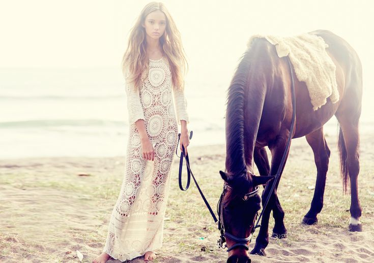 Inka Williams by Ali Mitton, www.spelldesigns.com, Cactus Rose, Spell and the Gypsy Collective, boho, Byron Bay, Australian Fashion, crochet dress, horse