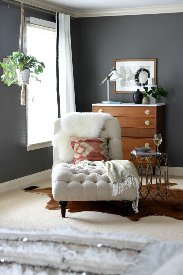 Master Bedroom - I'm a little overwhelmed on what to do with our huge master bedroom, love some of the ideas from this post.