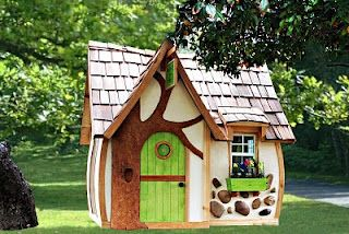 Now this is a cute little playhouse