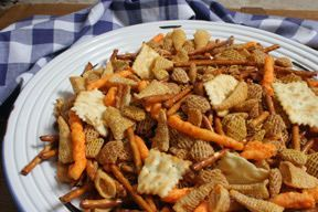 Garbage Bag Ranch Party Mix Recipe from RecipeTips.com!