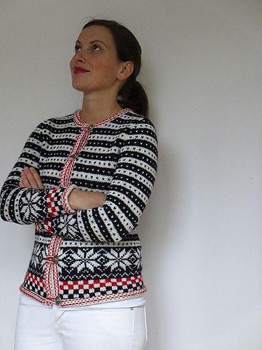 Fana Cardigan (#18) pattern by Yoko Hatta (風工房)