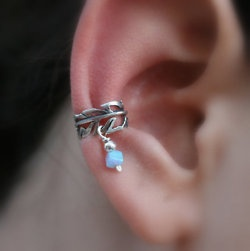 ear cuff.. not gonna lie i think this is cute. calm down it's not a piercing :) i'd never do that.