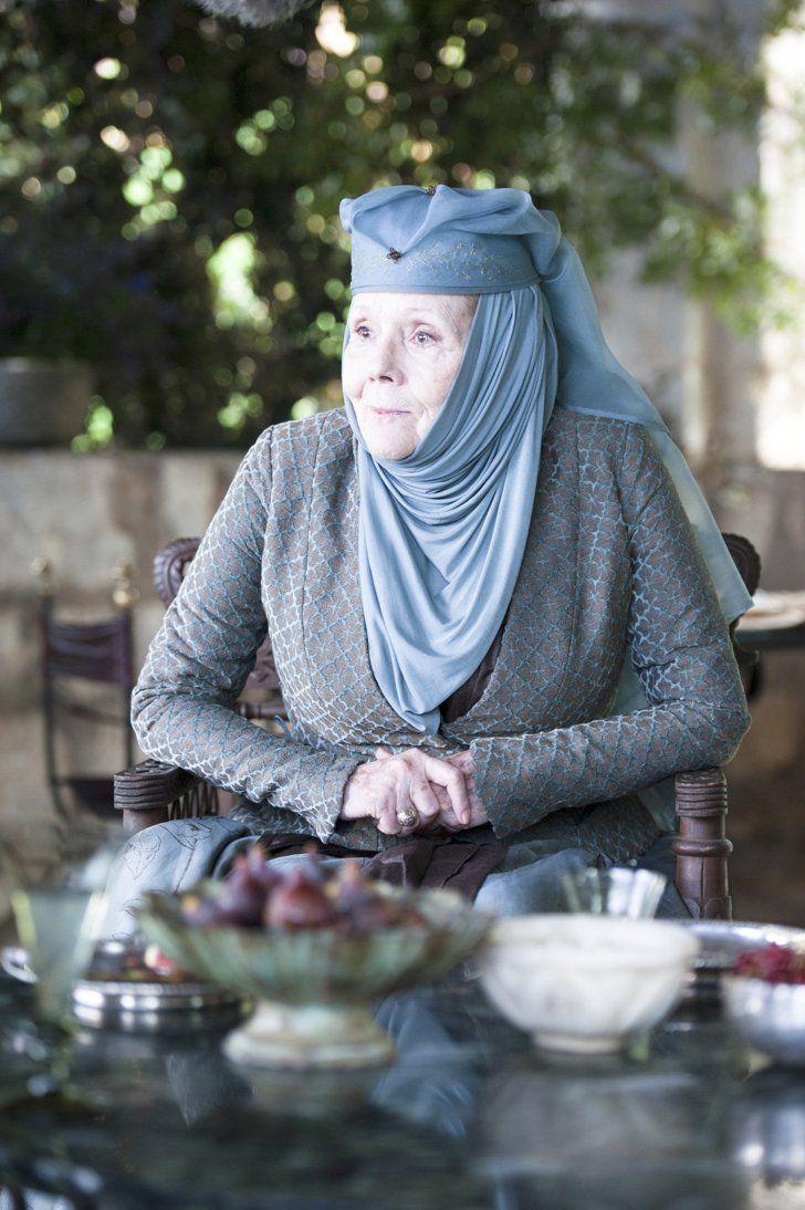 Pin for Later: Brandneue Bilder von Game of Thrones: Daenerys' Drachen sind groß geworden!  Diana Rigg als Lady Olenna.