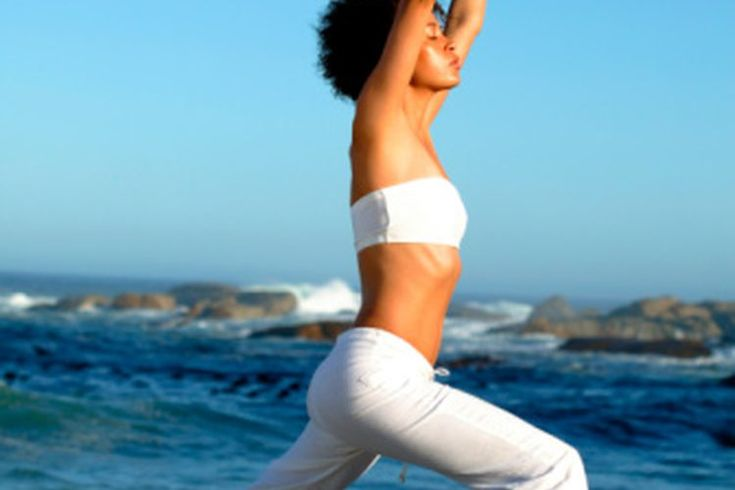 Cómo fortalecer tu diafragma. Tu diafragma es un músculo abdominal profundo que funciona con los músculos de tus costillas y de tus oblicuos para ayudar a tus pulmones durante la mecánica de la respiración. La mayoría de la gente que respira con un diafragma inmaduro lo cual puede causar que los ...