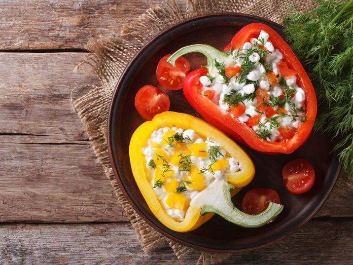 Paprika gefüllt mit Hüttenkäse