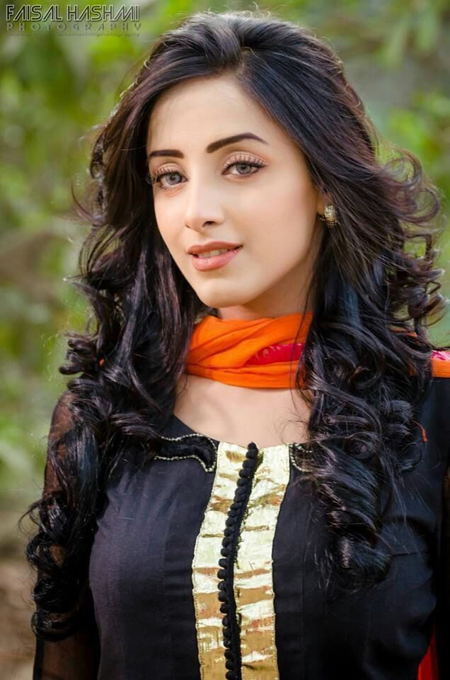 #SanamChaudhry ! ❤️ Her Facial Features !