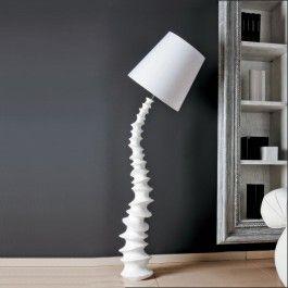 Lampadar modern Finn, forma inspirata in regnul vegetal, Finn va da un aer de unicitate fiecarei locuinte, baza din ghips iar difuzor textil alb, H 169cm, dimensiuni difuzor 40x42cm, Brand Maxlight