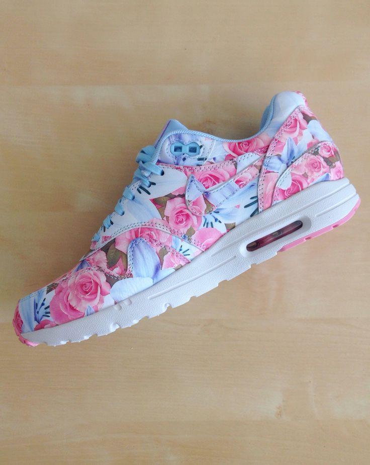 Cute Blue Nike Shoes