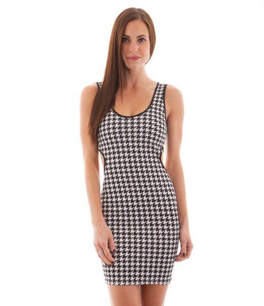 Sexy sort og hvit kjole