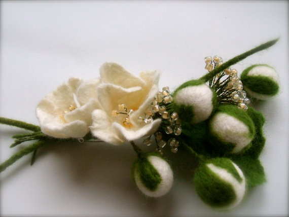 Hand felted brooch BOUQUET / White flowers