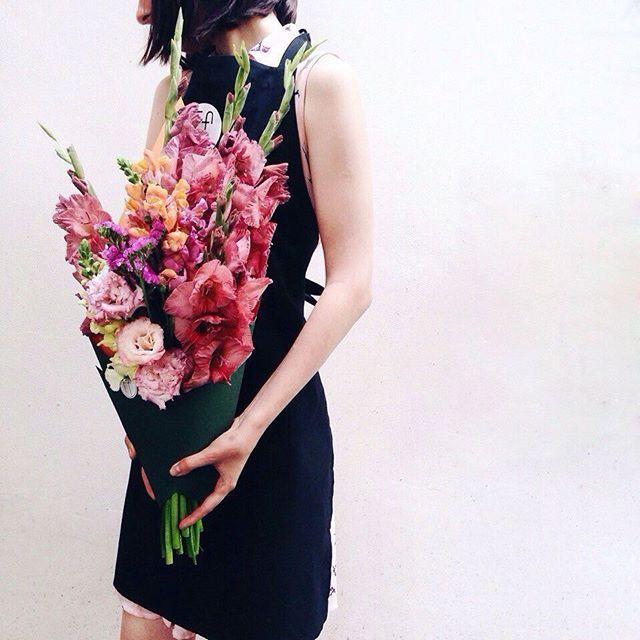 #gladiolus #bouquet #summer #floral design #lisiantus #flowers #color #pink #orange