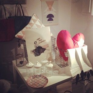 abacanto home window in Bologna with duepuntispazio's heart cushion!