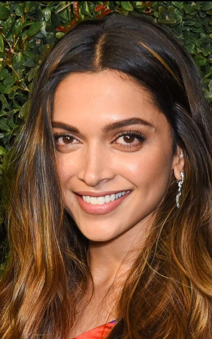 Close ups- Deepika Padukone at Charles Finch and Chanel annual pre Oscars dinner.