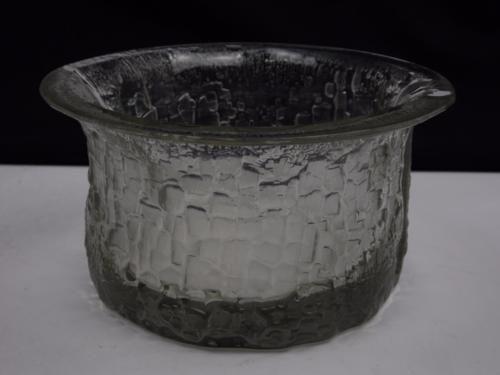 Iittala-3357-textured-glass-bowl-by-Timo-Sarpaneva