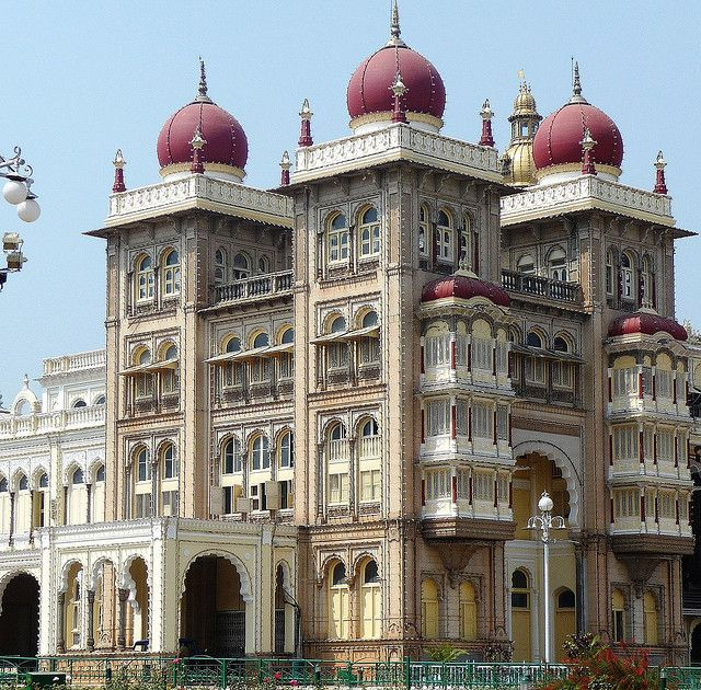 Mysore Palace, India, went in 1988