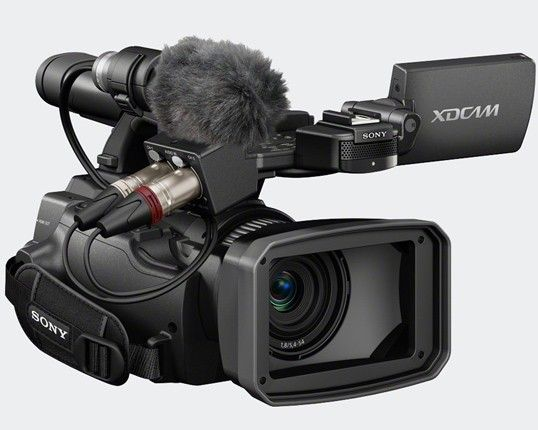Sony PMW-100 camcorder brings 50Mbps bitrate in an itty-bitty package - 422 codec, new addition to the XDCam family...