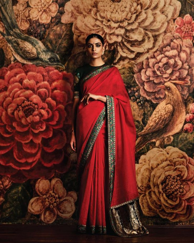Sabyasachi Mukherjee 2016; I LOVE EVERYTHING about this saree; classic, elegant, for me this is indian beauty personified!!!