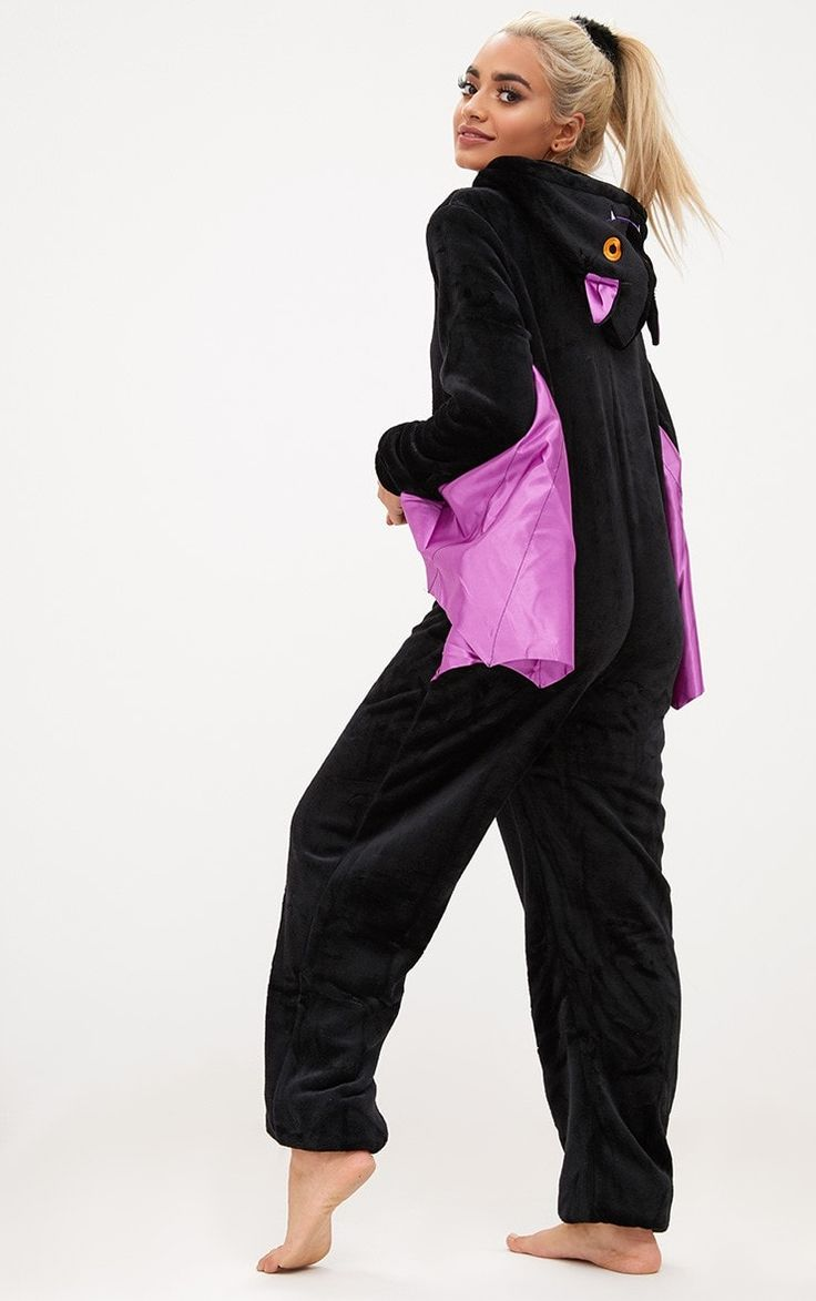 Bat OnesieGet in the halloween spirit with this onesie. In a super soft black material with purpl...