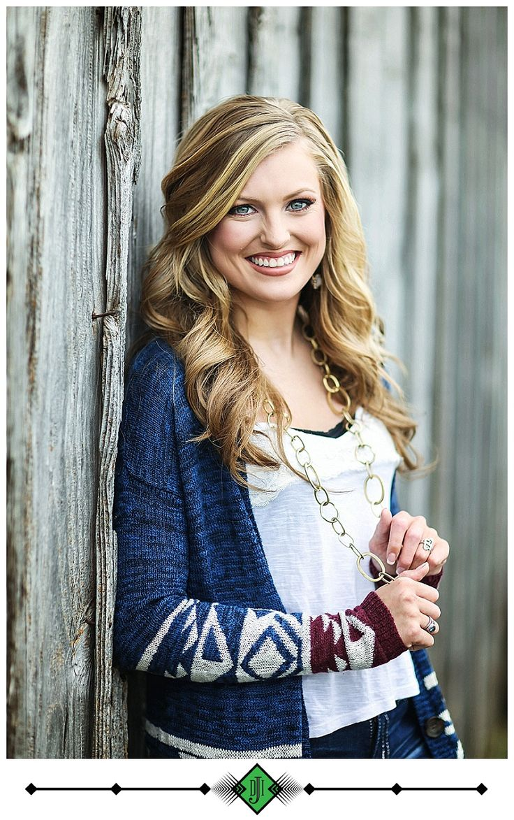 Senior Picture Ideas for Girls | #seniorpictureideasforgirls | Click this link to follow my Senior GIRLS board for inspiration at https://www.pinterest.com/JillLevenhagen/