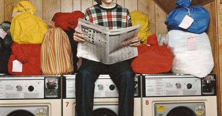 Como costurar um saco de tecido para roupa  suja . Um saco para roupas sujas é apropriado para carregar as roupas da semana para lavar. Você poderá fazer um desses para carregar suas roupas e levá-las à lavanderia em sua casa ou coletá-las e levá-las à uma lavanderia automática. Poderá fazer um saco desses para uma filha que vai à universidade, para que ela junte as roupas da semana e envie para ...