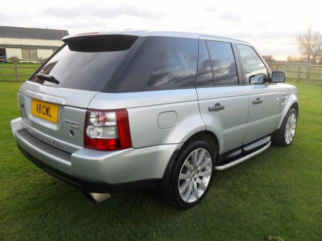 2009 Range Rover Sport 2.7 TDV6 HSE 5-door auto 4X4. Metallic Zermatt Silver. FSH. HI ICE pack. Click on pic shown for loads more.